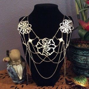 Kenneth Cole large silver collar w/ floral design